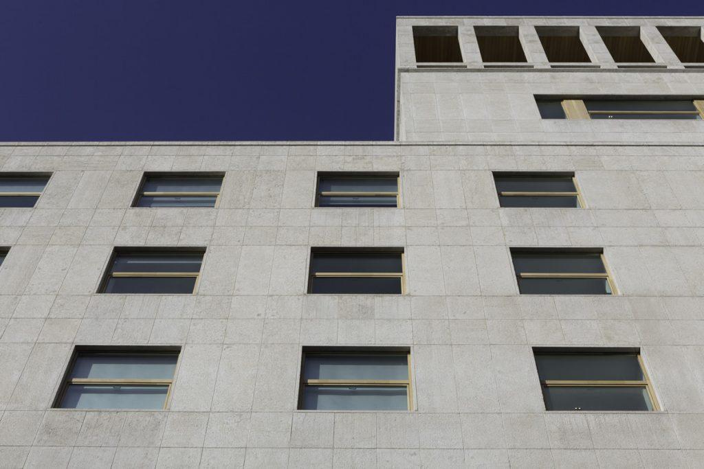 Reinterpretare gli Edifici: Palazzo Piazza Edison 1
